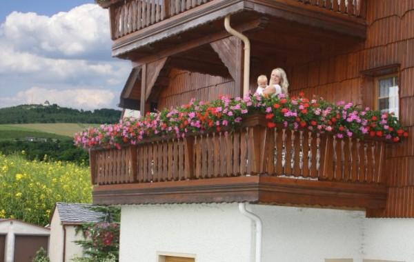 Holzbalkonbau